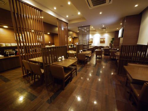 A restaurant or other place to eat at Hotel Route-Inn Seki