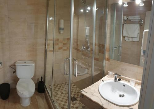 A bathroom at Hotel La Lancha