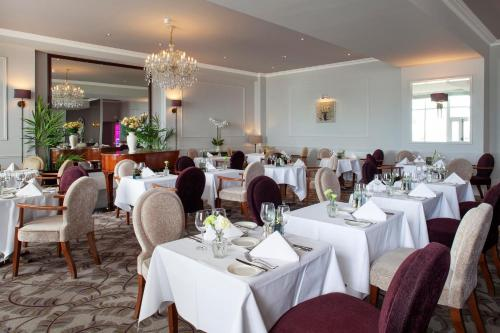A restaurant or other place to eat at The Royal Duchy Hotel