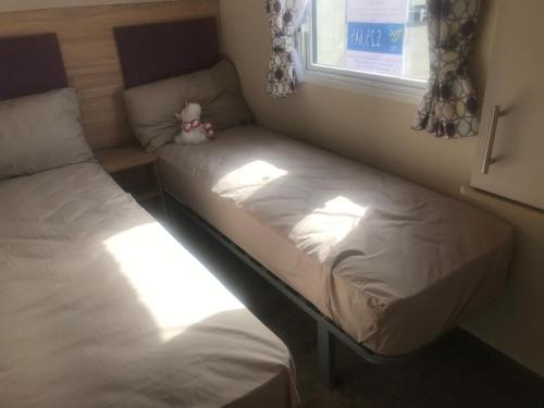 Caravan at Waterside Park, based in Ingoldmells, close to Fantasy Island, walking distance to Chapel St. Leonards, near the beach and a straight road