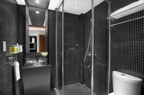 A bathroom at Citadines Fusionopolis Singapore (SG Clean)
