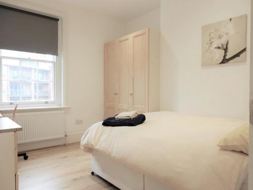 Double Room, Chatham Dockyard