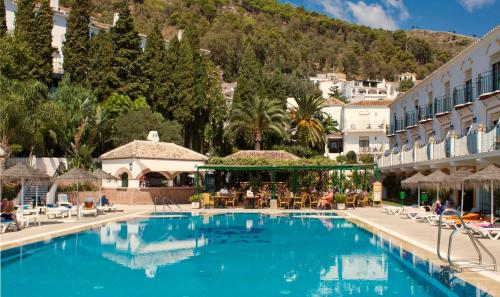 The swimming pool at or close to TRH Mijas