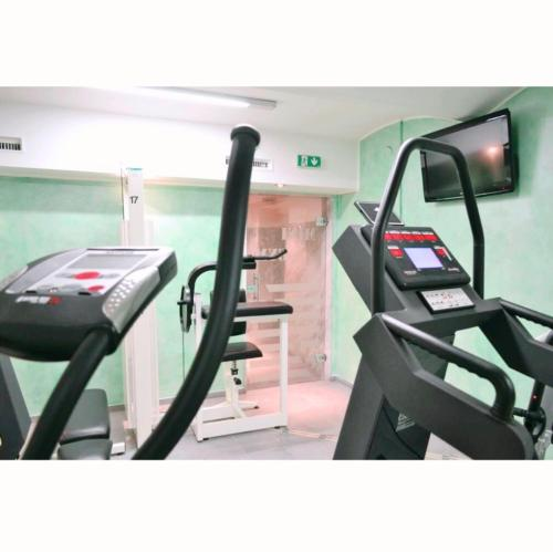 The fitness center and/or fitness facilities at Hotel Aragia