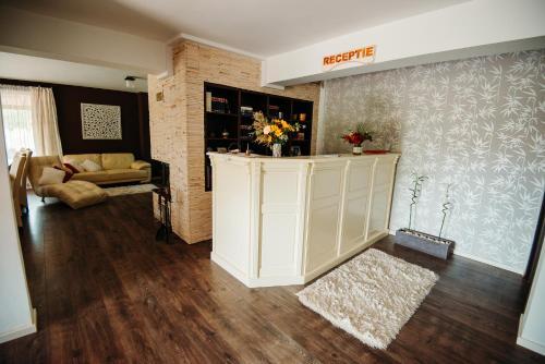 The lobby or reception area at Casa Tirol Blaj