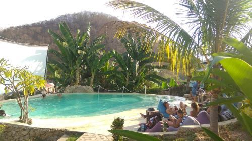 The swimming pool at or near Wae Molas Hotel