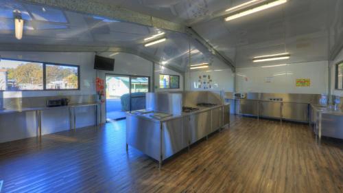 A kitchen or kitchenette at Nambucca River Tourist Park