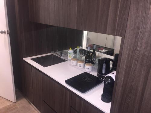 A kitchen or kitchenette at Studio 68 Bondi Beach