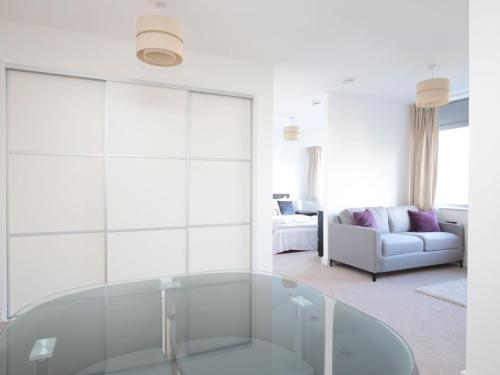 Modern Oxford Apartment - Sleeps 4