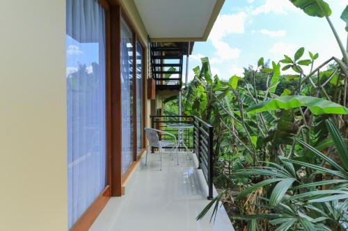 A balcony or terrace at Sunari Guest House