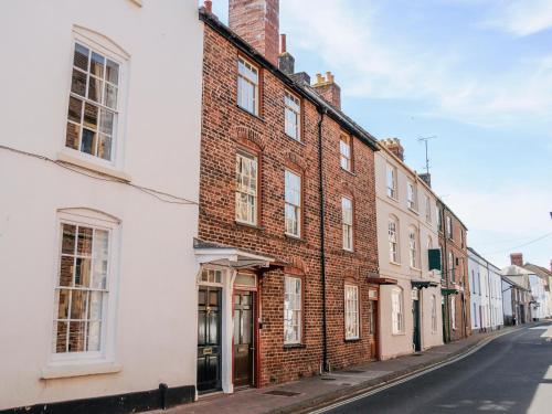 7 Glendower Street