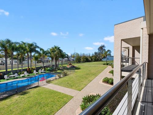A view of the pool at ELSINOR Townhouse 6 Mulwala or nearby