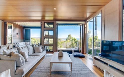 A seating area at Noosa Residences