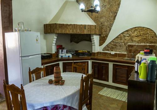 A kitchen or kitchenette at Casa Alejandra TRINIDAD