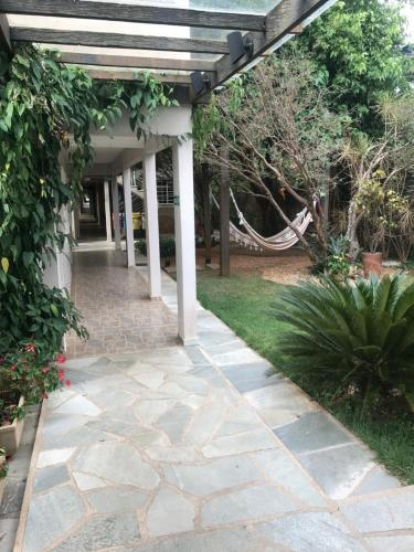 Jardín al aire libre en Pousada Canto do Sabiá - Pirenópolis