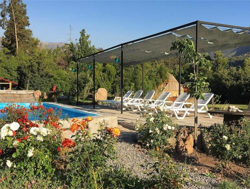 The swimming pool at or near Lodge del Maipo