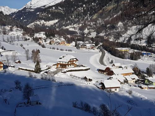 Haus Pfeifenberger im Winter