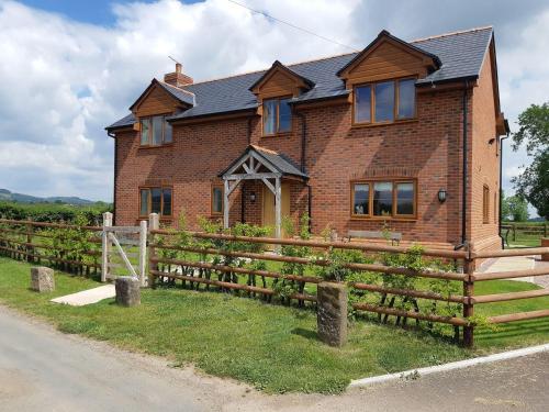 Brook Cottage, Westbury-on-Severn