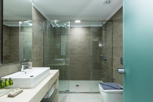 Kylpyhuone majoituspaikassa Sun and Sea Plus Resort