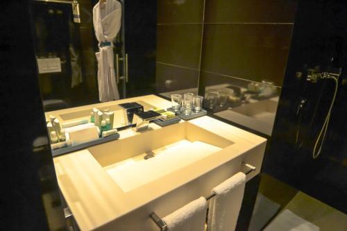 A bathroom at GHL Hotel Bioxury