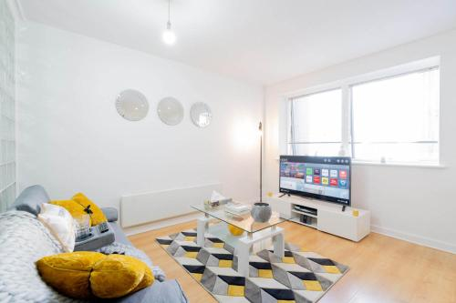 Brand New Apartment - Broad Street & Brindley Place - Nearby Bullring, O2 Arena, New Street Station & Grand Central