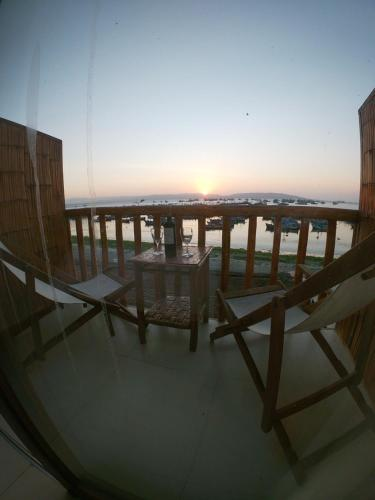 A balcony or terrace at Bamboo Lodge Paracas
