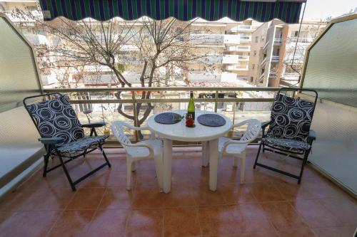 A balcony or terrace at La Sirena