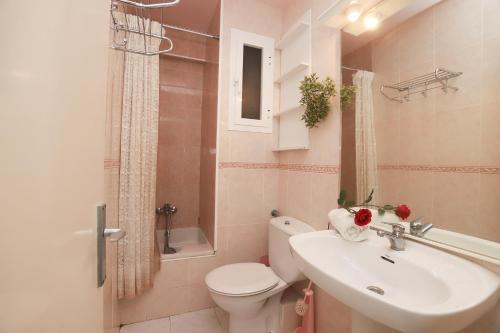A bathroom at La Sirena