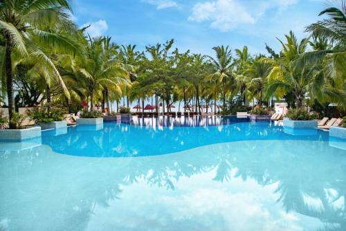 Piscina en o cerca de Grand Sens Cancun by Oasis - All Inclusive Adults Only