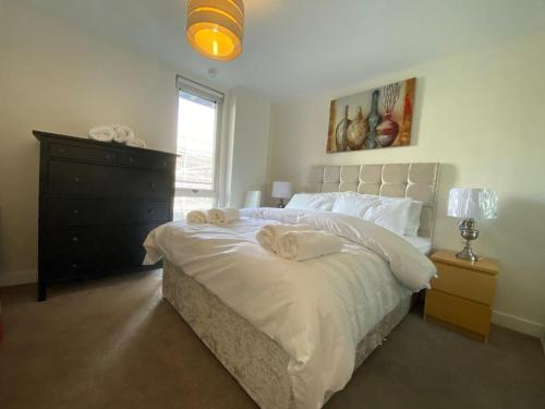 Central Milton Keynes hub one bedroom secured apartment