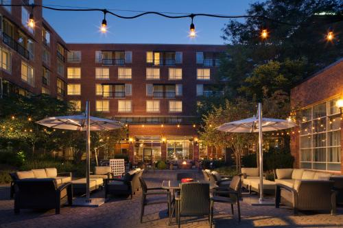 A restaurant or other place to eat at The Westin Princeton at Forrestal Village