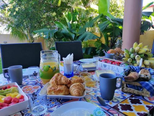 Morgenmad for gæster der bor på Villa Friendly