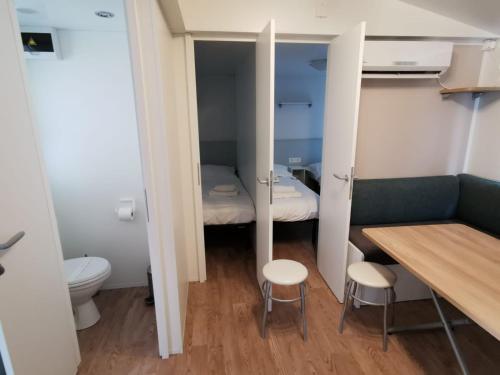 Łazienka w obiekcie Adria Mobile Homes
