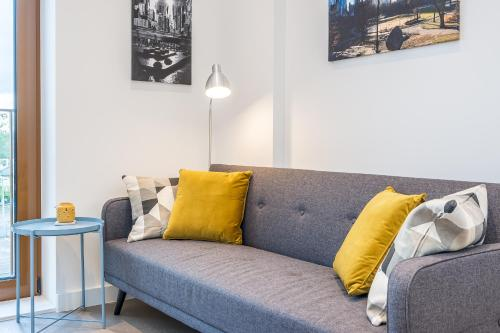 St Albans 1 Bed Luxury City Apartment, 5 mins walk to Train & Allocated Parking