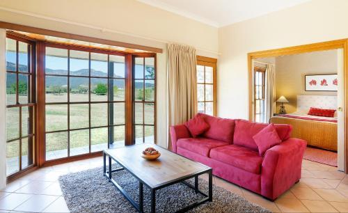 A seating area at Berenbell Vineyard Retreat