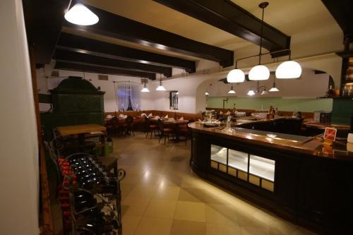 Ein Restaurant oder anderes Speiselokal in der Unterkunft Ristorante Napoleone