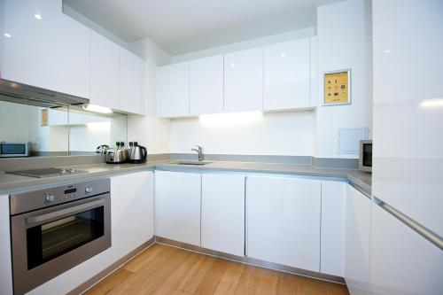 A kitchen or kitchenette at Staycity Aparthotels London Heathrow