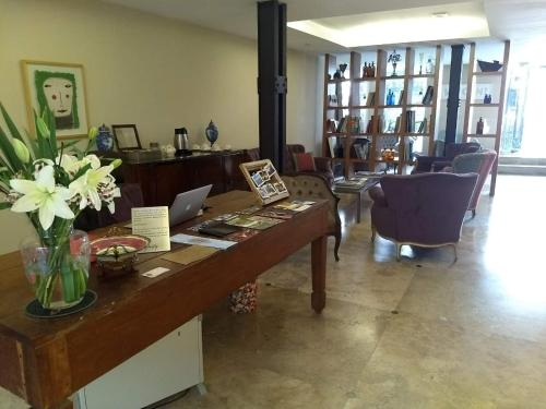 The lobby or reception area at Poetry Building Recoleta