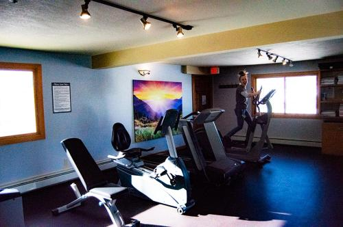 The fitness centre and/or fitness facilities at The Inn at Steamboat