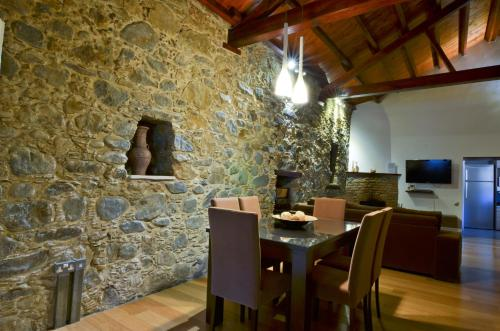 A restaurant or other place to eat at To Kastri