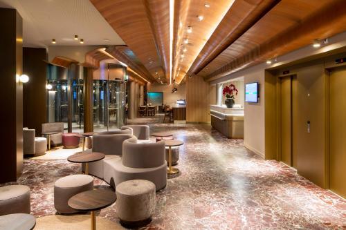 Lounge oder Bar in der Unterkunft Hotel Walhalla