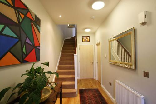 Spacious family home with parking in Clifton