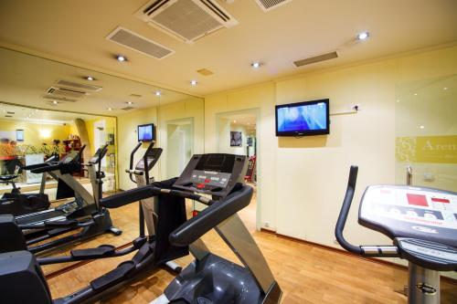 The fitness center and/or fitness facilities at Arena Di Serdica Hotel