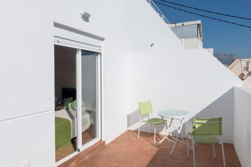 Un balcón o terraza de Hotel Roca-Mar