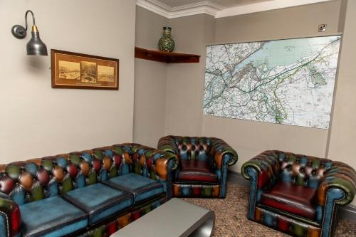 A seating area at Eryl Mor Hotel