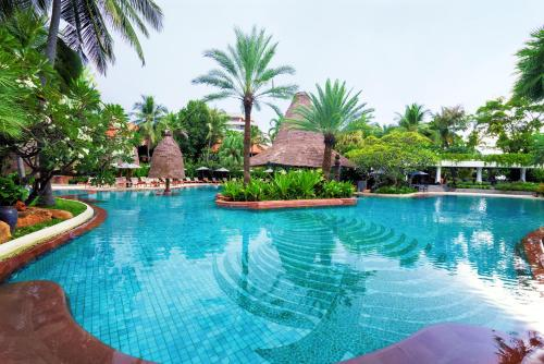 The swimming pool at or near Anantara Hua Hin Resort