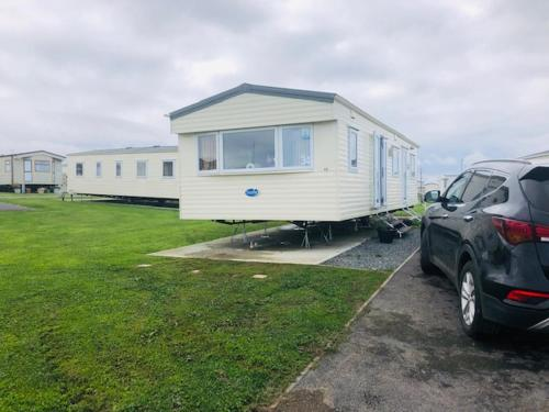 2 bedroom static caravan 5* Sand Le Mere Holiday Village Near Withernsea, E. Yorkshire
