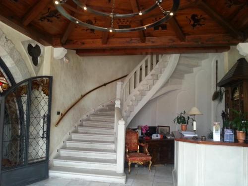 The lobby or reception area at Hotel Restaurante El Castillo