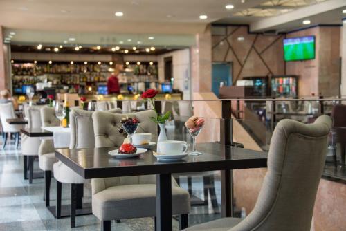 Ресторан / где поесть в President Hotel