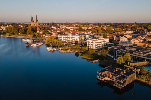 Vue panoramique sur l'établissement Resort Mark Brandenburg & Fontane Therme